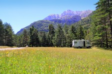 Best RV Accessories for Using on Summer Vacation